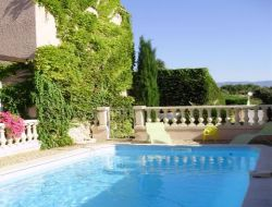 Holiday rental in the Luberon near Vitrolles