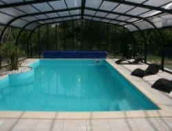 Holiday cottage with pool in Vendée