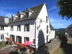 Big capacity cottage in Auvergne. near Le Mont Dore