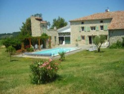 B&B with swimming pool in Midi Pyrenees.