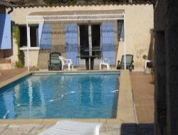 Self-catering gite with pool in Provence. near Aix en Provence