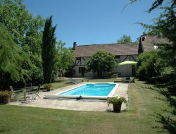 Cottage with pool in the Lot near Saint Denis les Martel