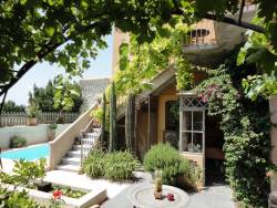 B & B with swimming pool in the Hérault