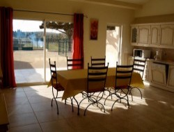 Self-catering gite between Avignon and Orange near Uchaux