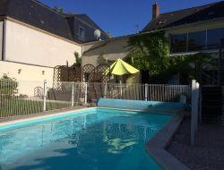 Gites avec piscine chauff�e en Val de Loire.