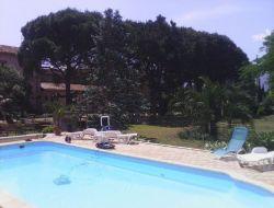 Gites avec piscine et jardin