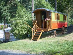 Holidays in gypsy caravans or yurts in french Alps