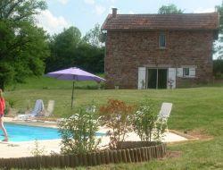 Gite avec piscine dans l'Aveyron.