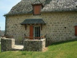 Holiday cottages in Aveyron, Midi Pyrenees. near Curières