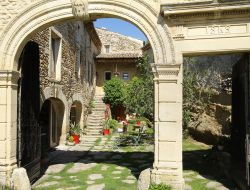 Bed & Breakfast near Montelimar in Drome. near Merindol les Oliviers