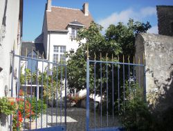Self-catering cottage close to the Loire Castles. near La Ferte Saint Cyr