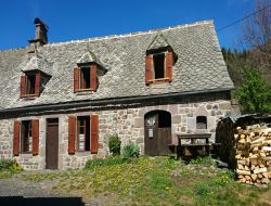 Holiday cottage close to Auvergne volcanoes