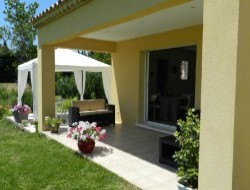 Holiday rental close to Orange and Avignon.