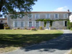 Rental in Chermignac Charente near Virollet