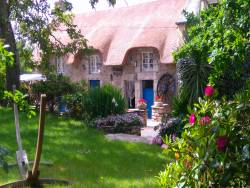 Charming B & B in Brittany near Saint Yvi