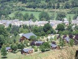 Vacation village in Aveyron near Curières