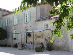 Holiday cottages close to Cognac, Charente.