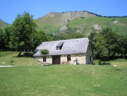 Rental in french pyrenees near Esquieze Sere
