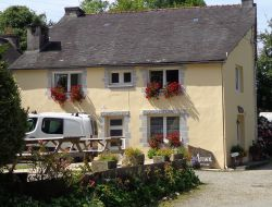 Bed and Breakfast in center Brittany. near Pleyben