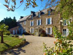 Holiday accommodation in Cotes d'Armor near Pledeliac