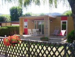 Holiday accommodation in Chambon lake